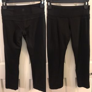 Lululemon Cropped Leggings capris size 2 EUC black